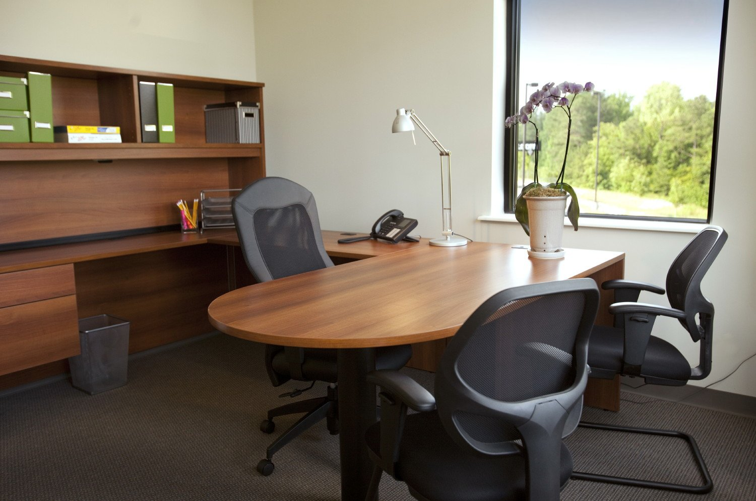 How to have the most leverage in your new fundraising - Small office space rental collection ...